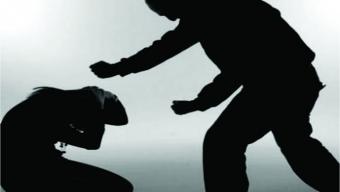 Popular é detido duas vezes em menos de 24 horas acusado de ameaçar ex-companheira em Cajazeiras.