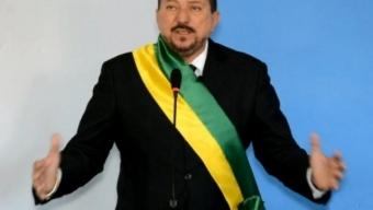 """No sertão: Temendo agravamento da crise prefeito pode nomear inicialmente """"ocupantes"""" para apenas 5 pastas."""