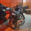 ROTAM apreende moto durante perseguição em Cajazeiras.