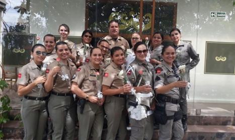 Comando do 6º BPM homenageia PM's femininas no dia internacional da mulher.