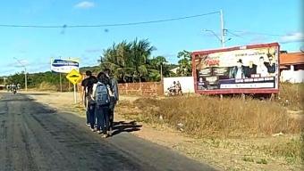 Após incidente com ônibus de estudantes, prefeitura de Cachoeira dos Índios tenta amenizar falta de manutenção e emite nota.