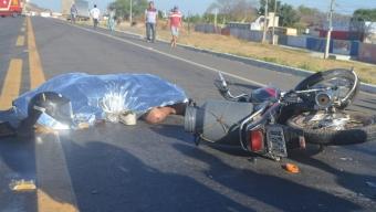 Acidente com vítima fatal na BR-230 próximo à cidade de Cajazeiras. Veículo de auto escola pode ter causado o sinistro.