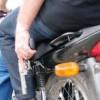 Dupla toma moto dinheiro e celular de popular na zona rural de Bom Jesus.