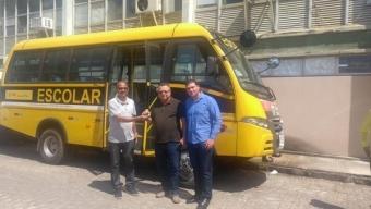 Prefeito Airton Pires consegue ônibus escolar e Creche padrão para o Distrito de Bandarra. Veja!