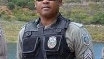 Câmara de São João do rio do Peixe Outorga titulo de cidadão ao Sargento Vicente sub-comandante do QPP. daquele Município. Veja!