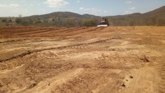 Empresa inicia terraplanagem para construção do aterro sanitário em Poço Dantas. Veja!