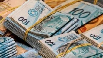 Novo Valor: Bolsonaro anuncia aumento do salário mínimo para R$ 1.100 em 2021